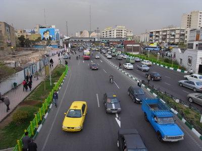 Une grande avenue au sud de Teheran