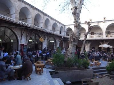 Caravanserail au milieu du bazar