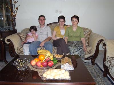 Belle famille, non? Sara, Siavash, Sepide et la maman
